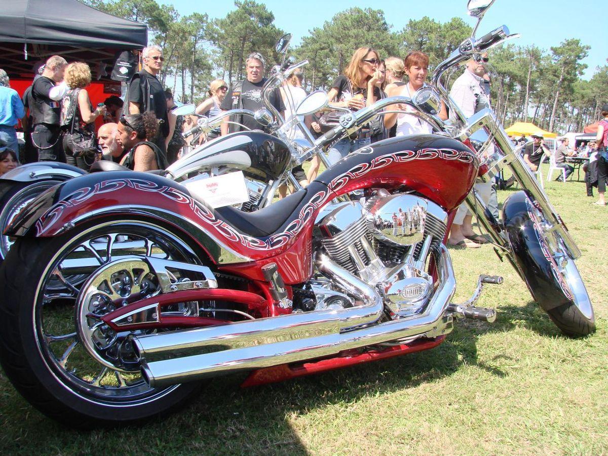 Certaines motos sont d'une beauté ahurissante . Cela vaut le déplacement ..