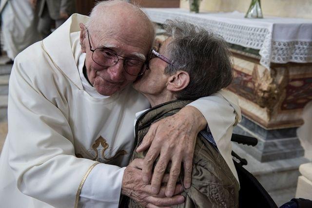 Photo d'Alain Espinosa prise dimanche 12 avril : 30 ans de diaconat d'André, c'est aussi cela !