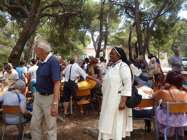 Messe à l'église de La Madeleine et repas à la Chapelle de Lavéra : les photos de Soeur Nicaise