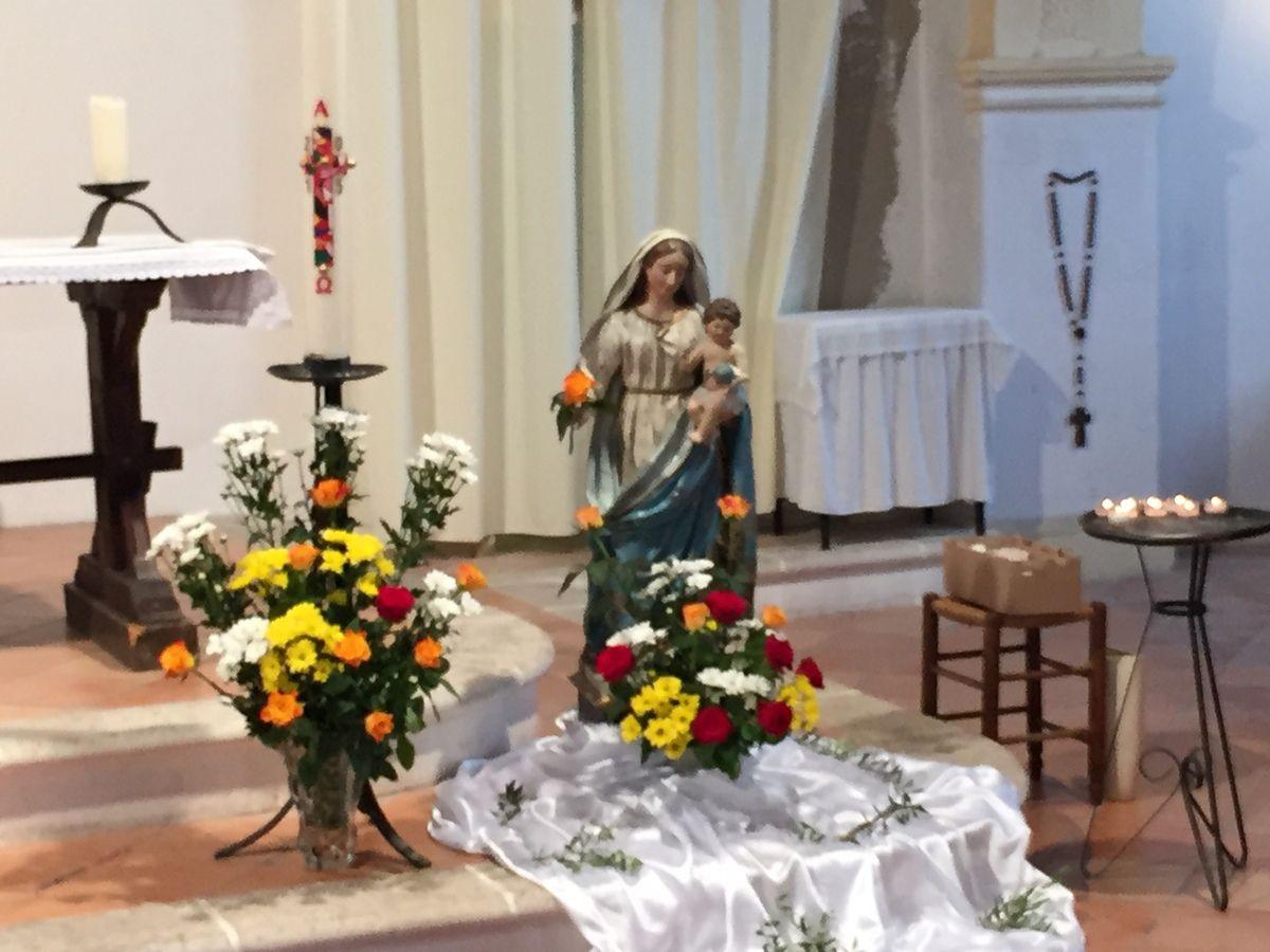 NOUS CELEBRONS LA PLUS GRANDE FETE EN L'HONNEUR DE LA VIERGE MARIE