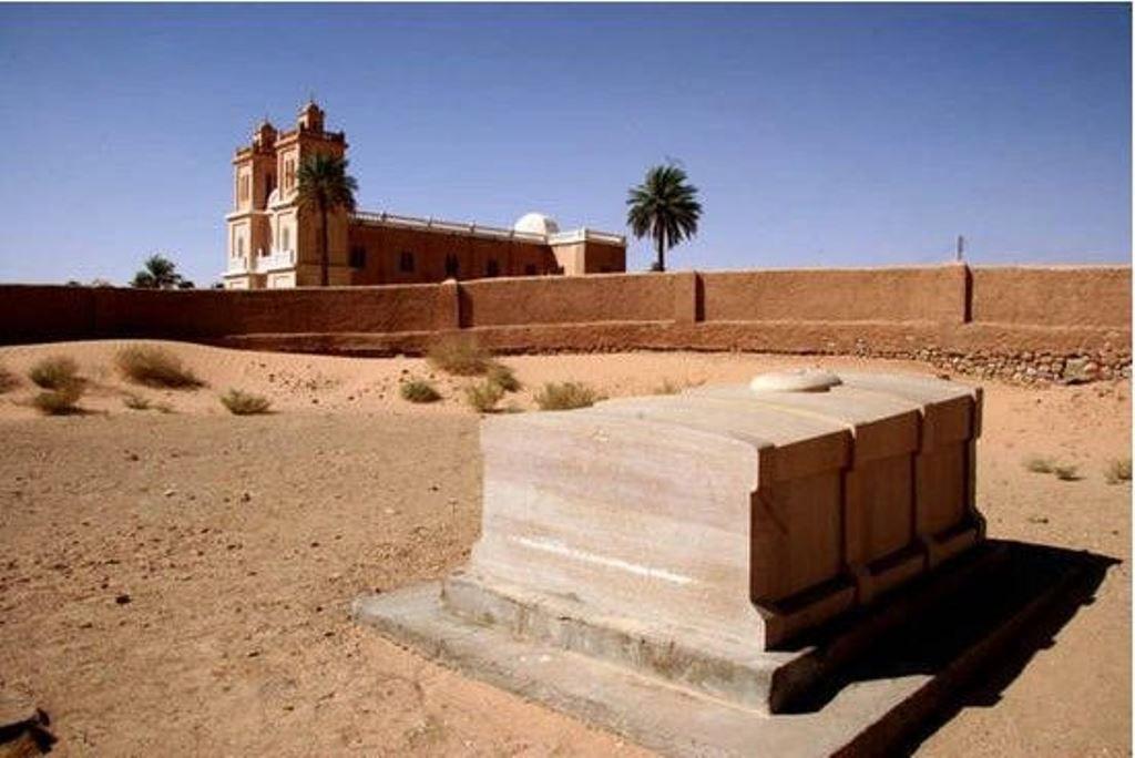 Tombe du Bienheureux Charles à Tamanrasset.