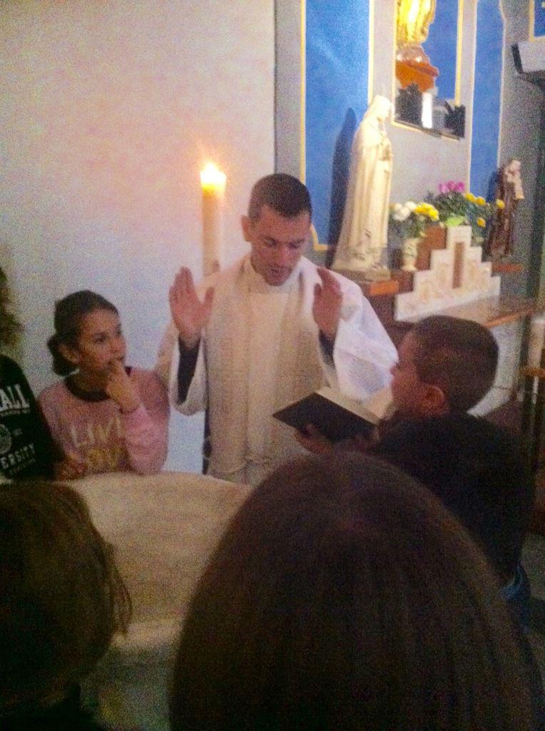 LES ENFANTS DU CATÉCHISME DÉCOUVRENT  LE SENS DU BAPTÊME