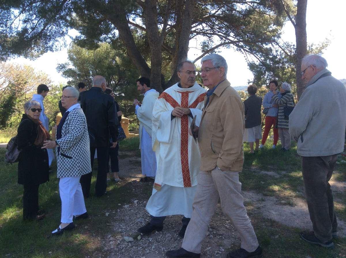 Dernière célébration dans la chapelle avant travaux pour le lundi de Pâques avec la population du village