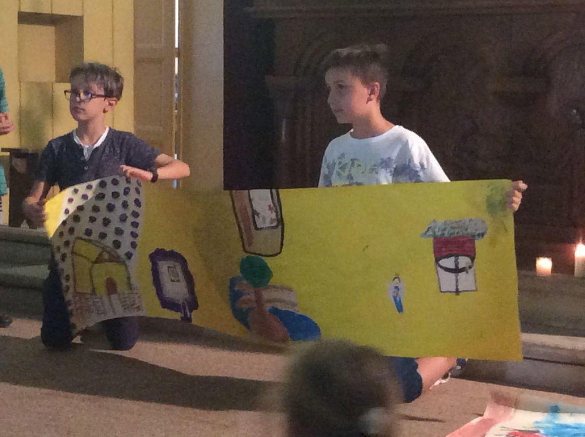 La journée du Caté à Lavera &#x3B; on peint notre année &#x3B; on fait un chemin d'Évangile. Relecture et prière à la chapelle