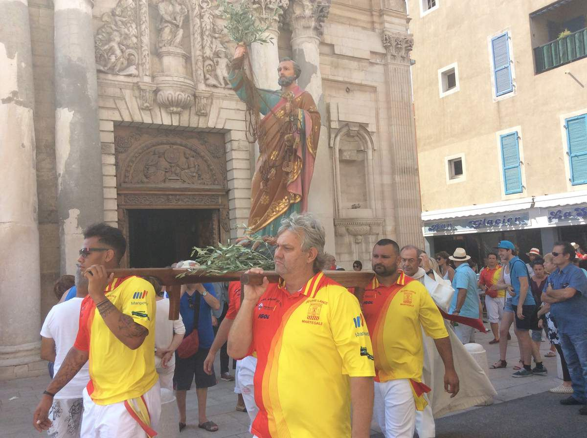 Nos photos. Retrouvez sur notre chaîne Facebook le direct de la Bénédiction de la ville par le Père Delabre
