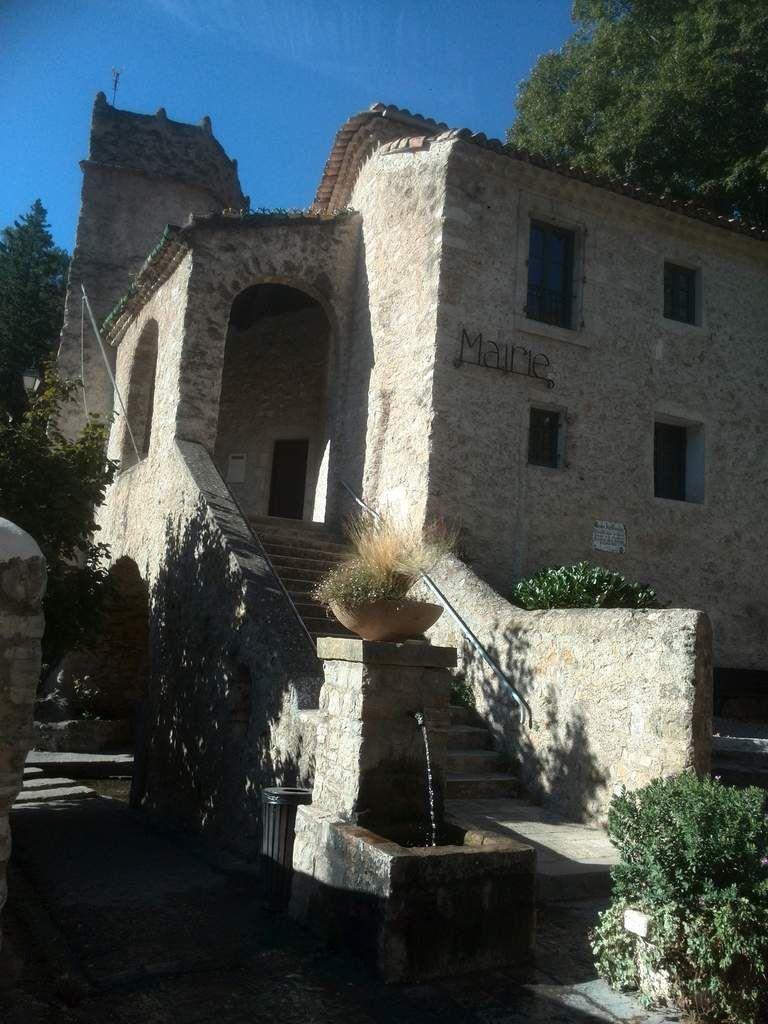 Balade à saint Guilhem le désert dans la région de Montpellier