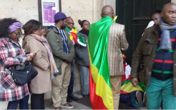 FRANCE/YAYOS/GREVE DE LA FAIM : ' J'APPELLE A UNE PLUS GRANDE IMPLICATION DE LA FRANCE DANS LE DRAME CONGOLAIS'