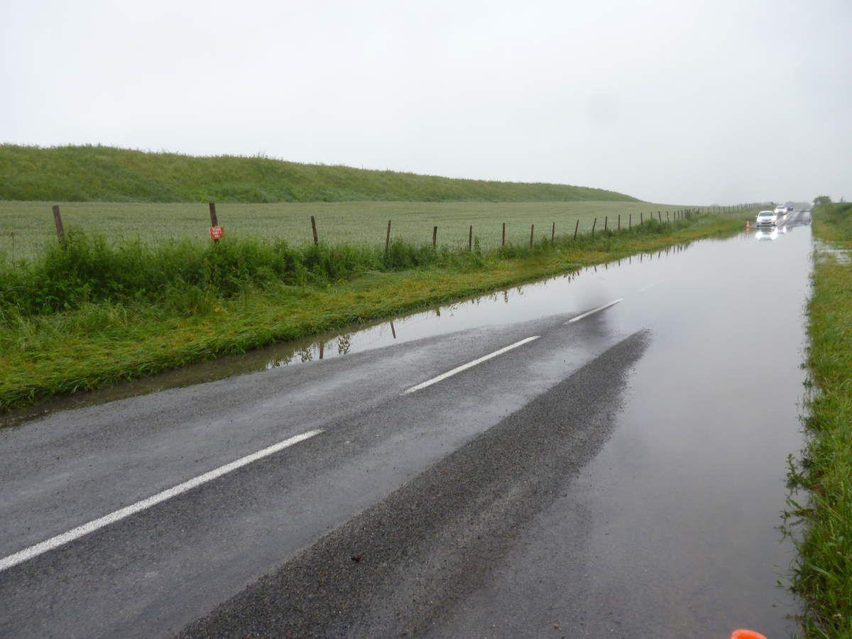 Annet sur Marne : les véhicules face aux inondations devant rebrousser chemin