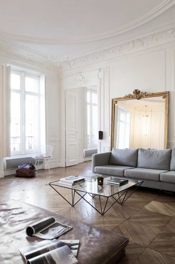 Un appartement haussmannien a part a for Decoration interieur appartement haussmannien
