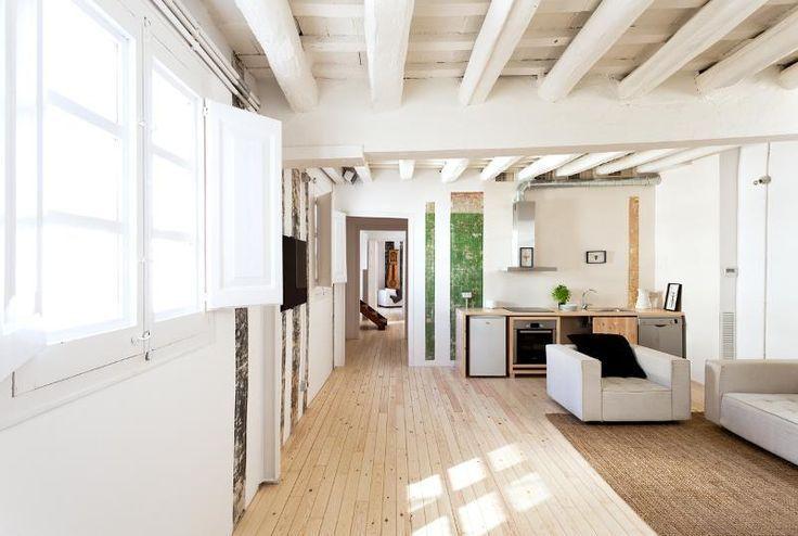 Poutres teinte bois ou poutres peintes en blanc - A part ça ...