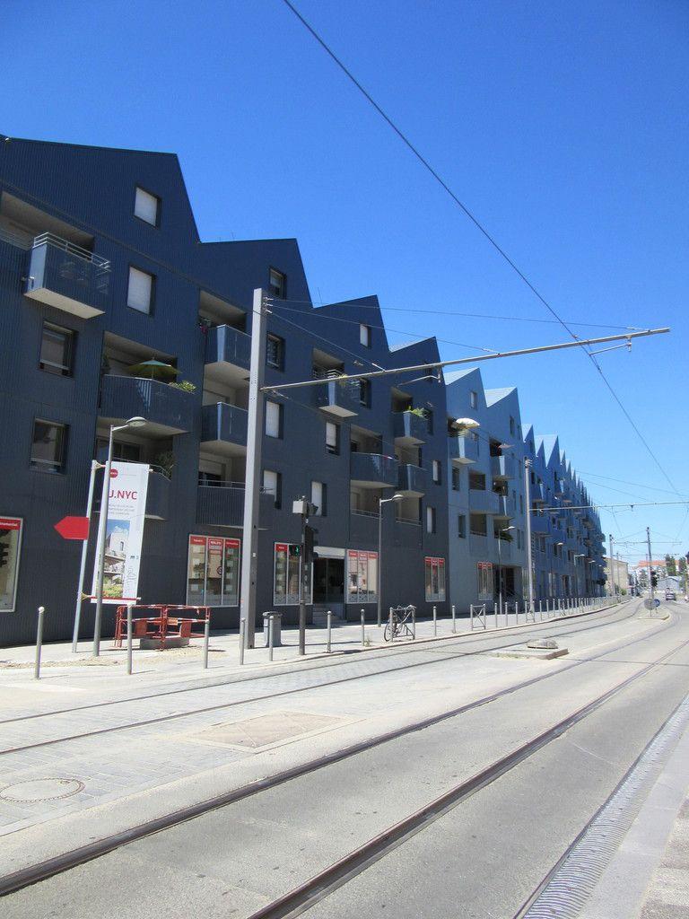 randonnée urbaine dans le nouveau quartier Bassin à flots