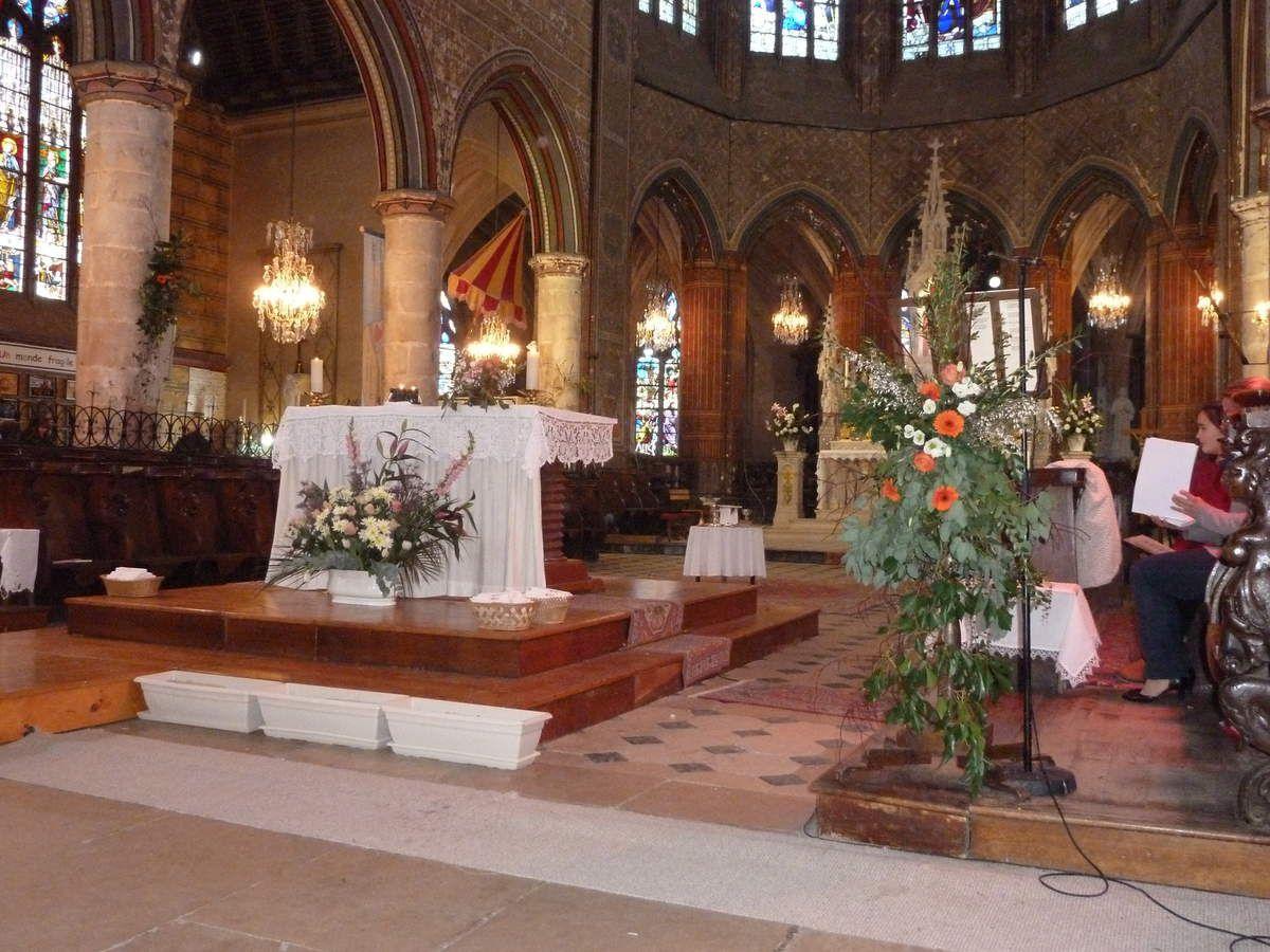 Photos de l'ouverture de la porte de la Miséricorde à la basilique de la Couture