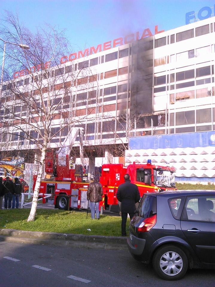 Violent incendie au Galion à Aulnay-sous-Bois