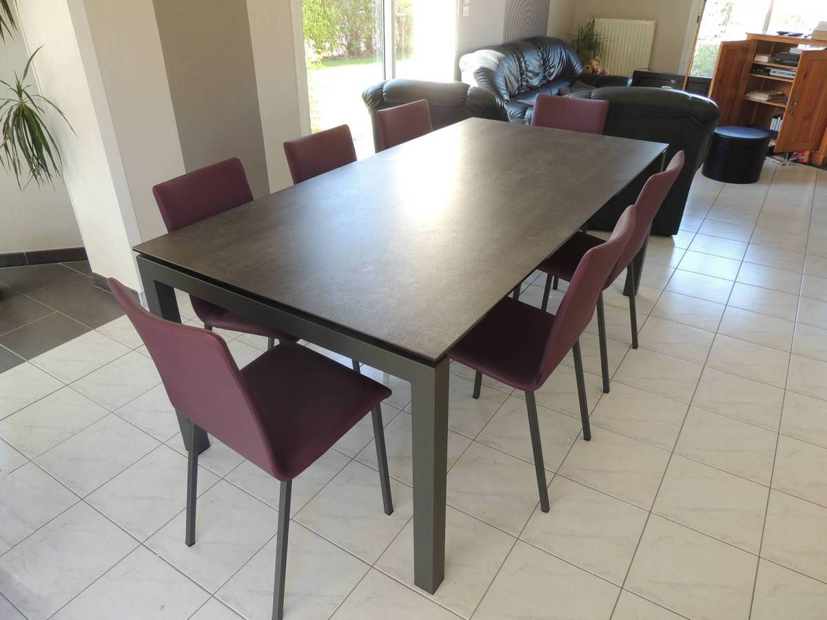 Table ceramique julia exodia home design tables for Table salle a manger en ceramique