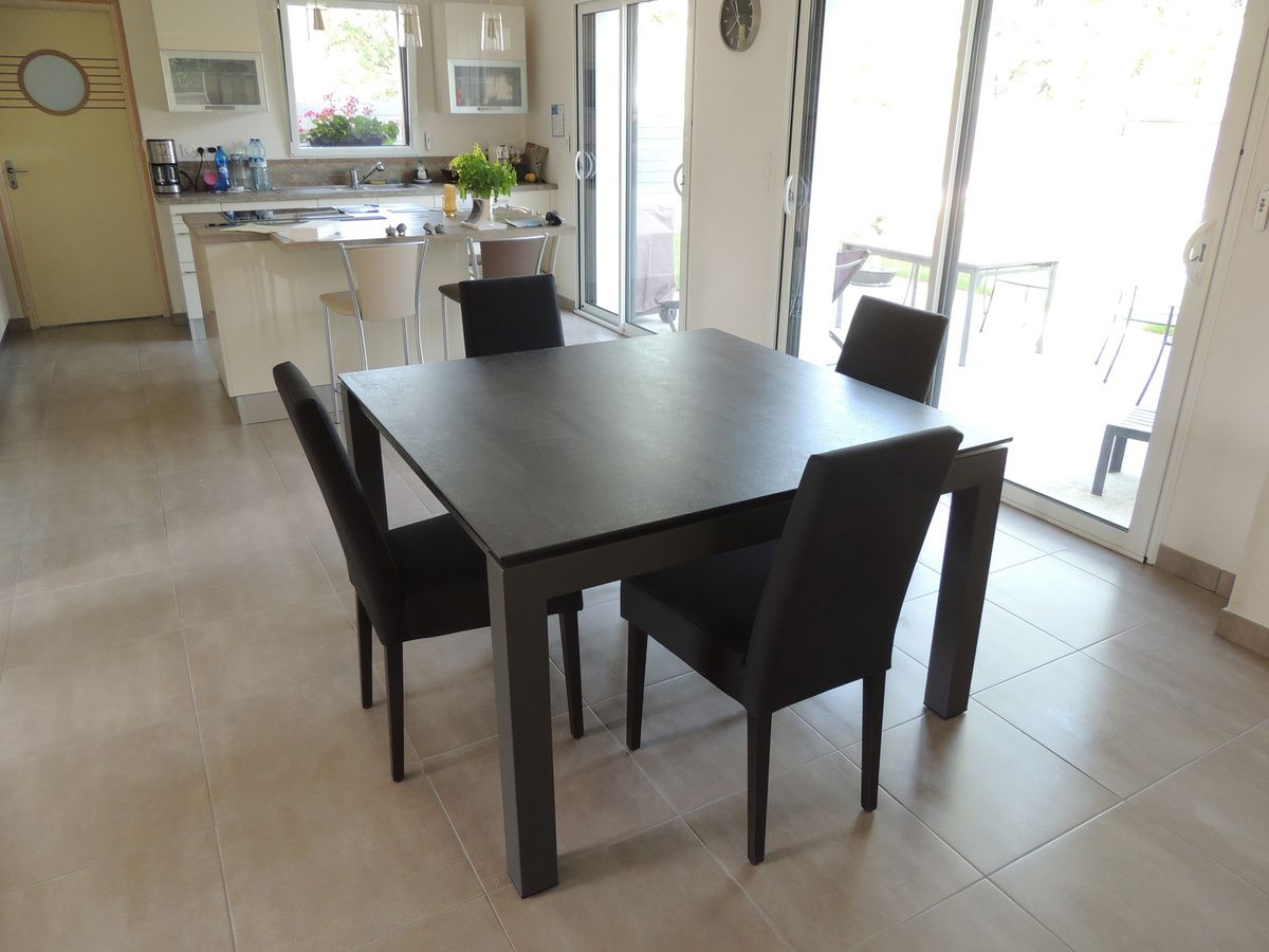 Table ceramique enix exodia home design tables ceramique - Table salle a manger ceramique ...