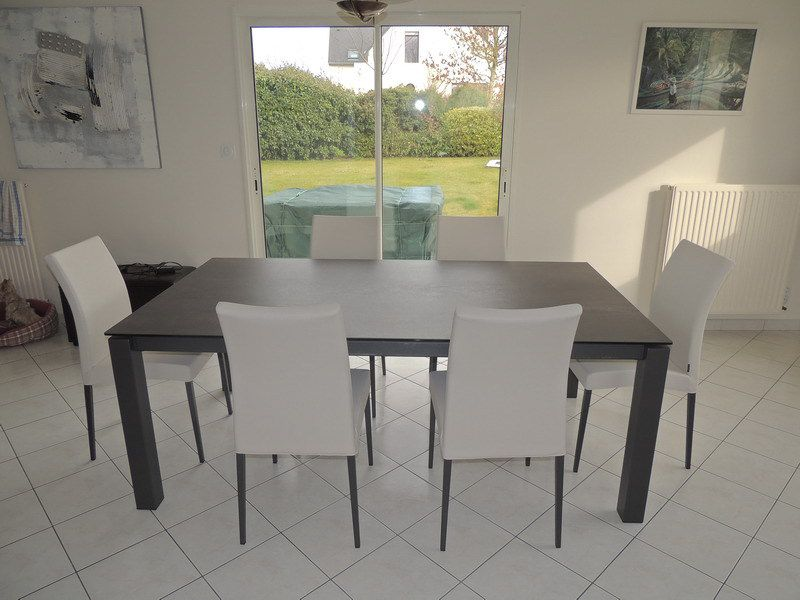 Table ceramique enix exodia home design tables ceramique - Table et chaises blanches ...
