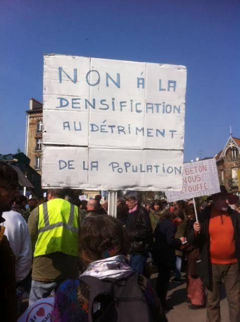 Au rassemblement contre la suppression de la place du marché de Romainville