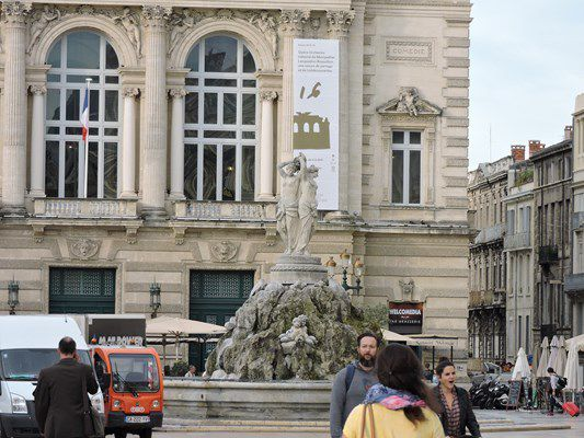 APPROCHES DE L'OPERA COMEDIE A MONTPELLIER