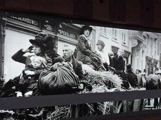 Partout en ce musée,  on rappelle le terrible exode de la population anversoise vers la Hollande au début d ela guerre de 1914