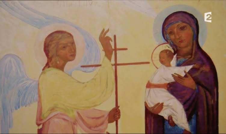 Icone  de la Sainte Vierge avec Jésus enfant, déjà marqué par la Croix de la fin de sa vie.