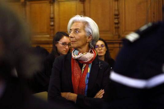 Un affamé malmené par un magasin indélicat et une garce, pardon Lagarde, épargnée par une justice de classe. Marx, plus actuel que jamais,  nous explique cela parfaitement