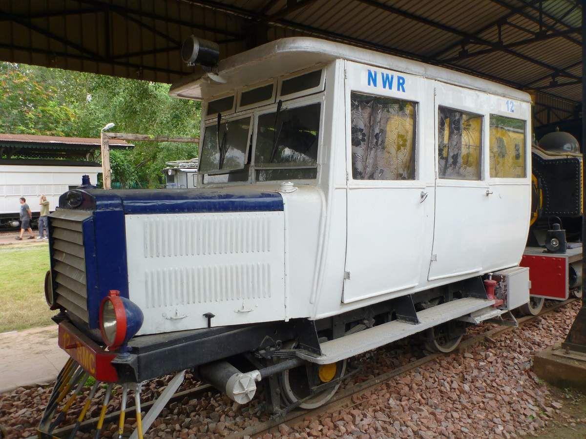 Quelques pièces rares, telle cette élégante voiture conçue pour inspecter la ligne à voie étroite entre Kalka et Simla.