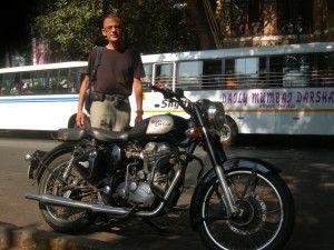 Une Bullet 500cc à Bombay (novembre 2013)