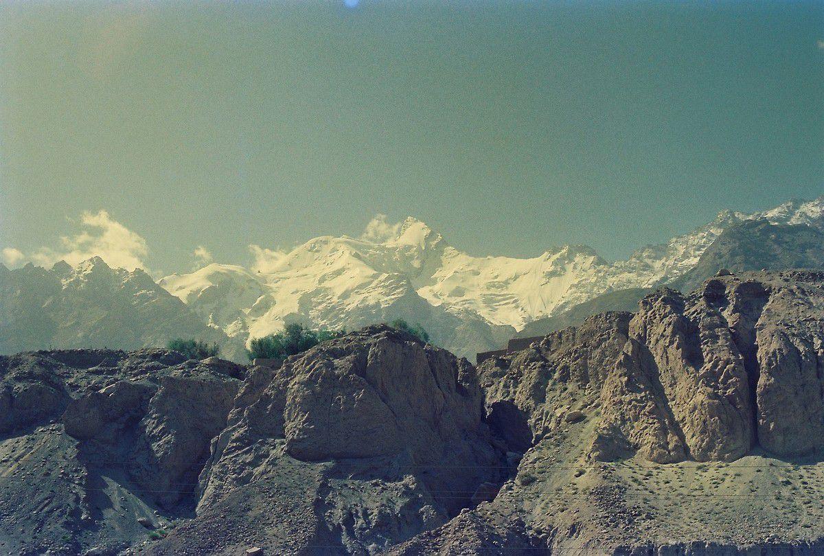 Kongur (7719m), Mustag Ata (7 546 m)