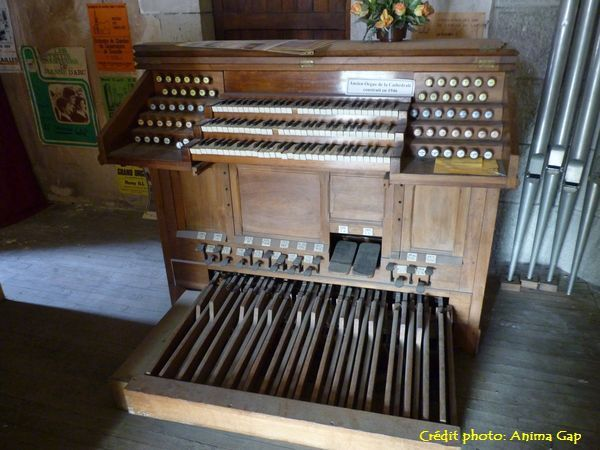 L'ancien orgue construit en 1946