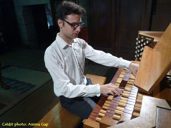 David CASSAN au clavier du Grand-Orgue Jean DUNAND