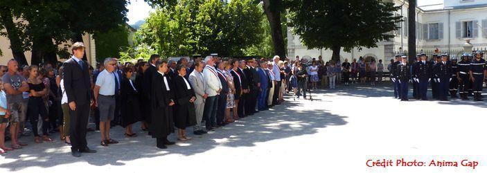 Minute de silence à Gap suite à l'attentat de Nice du jeudi 14 juillet 2016