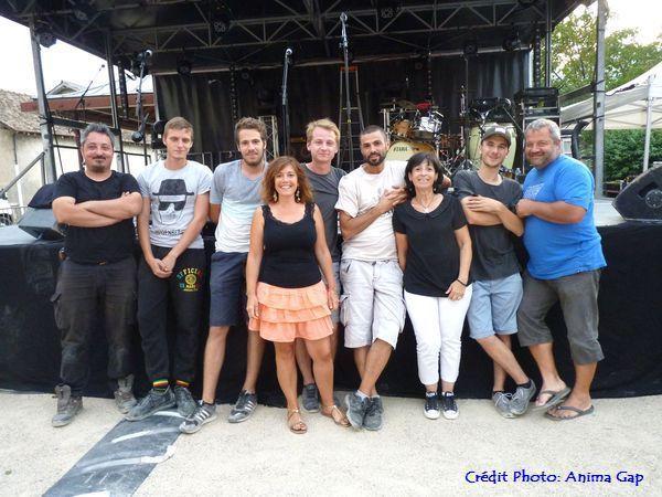 """Une grande partie de l'équipe de la Direction de la Culture de la Ville de Gap et des techniciens qui ont """"mouillé leur chemise"""" durant tout l'été pour mettre en place les spectacles."""