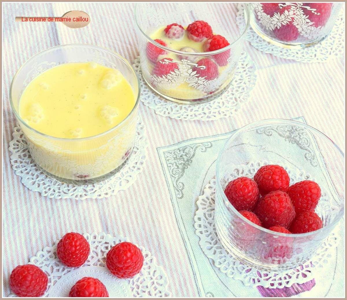 Crèmes merveilleuses au chocolat blanc et aux framboises