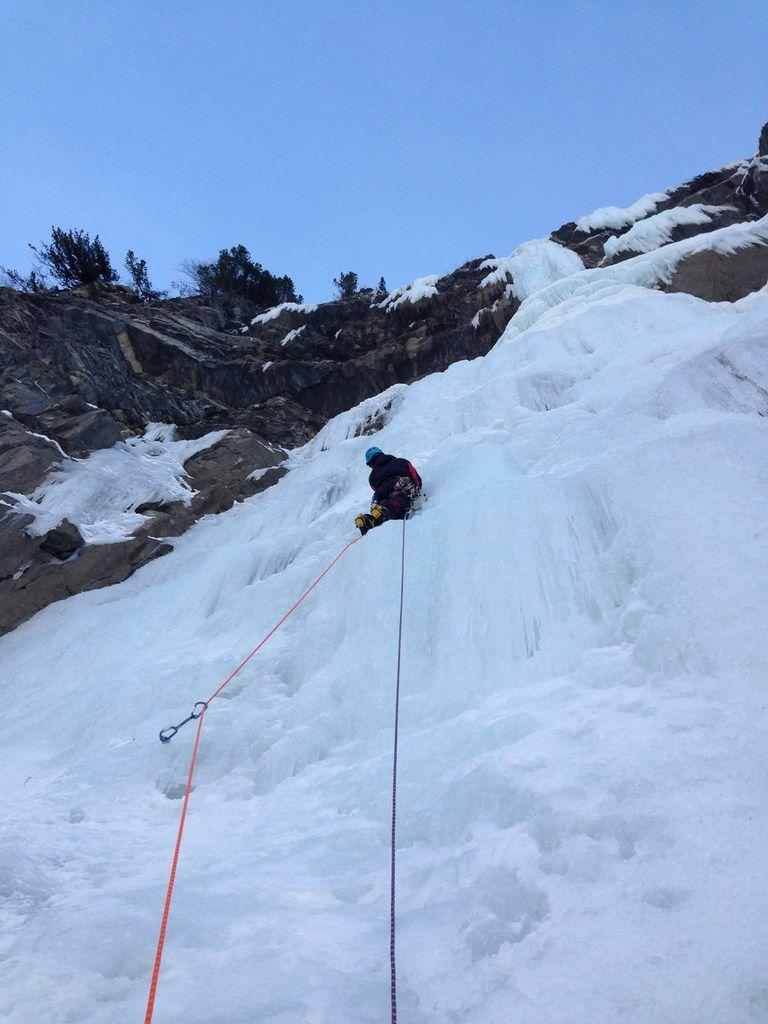 Grande L1 en 4+ de 60 mètres à la glace complexe...longueur engagée