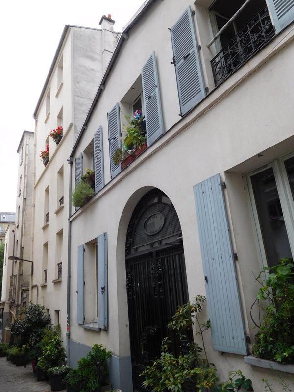 LES YEUX D'EMMA... PARIS AUTREMENT : DU  CÔTE  DE  MONTMARTRE.
