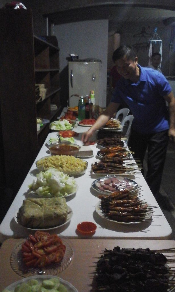 We celebrated Tet Lunar New Year with good food from Vietnam and nice guests from all over the world !