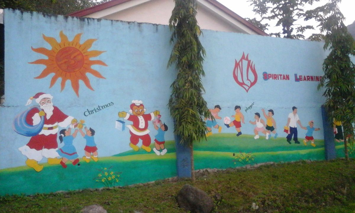 The Spiritans run a kindergarden. The wall of the school was painted by one of our Vietnamese brother, Vũ, nice job isn't it?