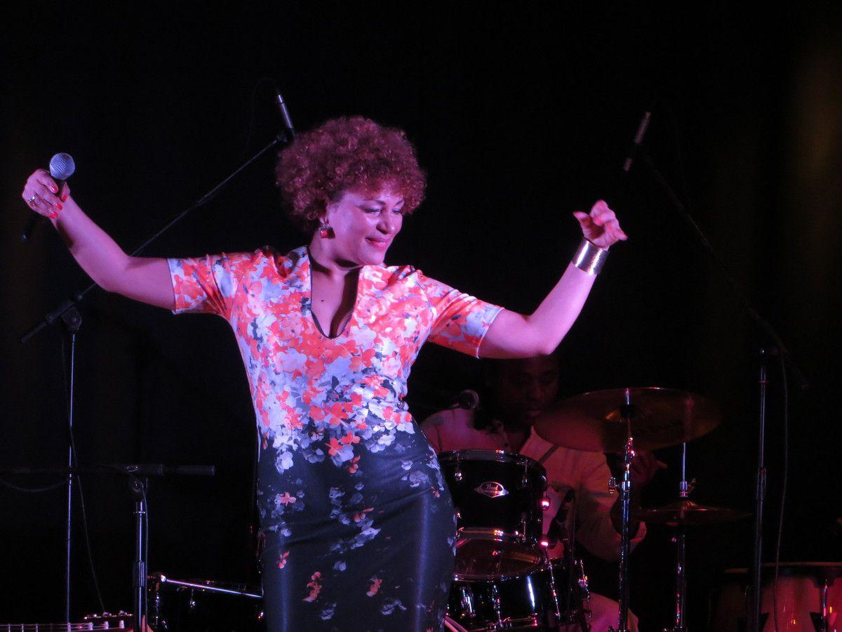 Mariana Ramos et ses musiciens