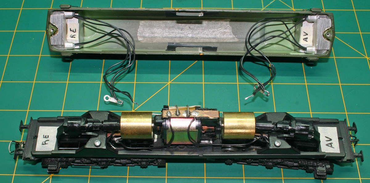 7 - Déconnecter la caisse du chassis .