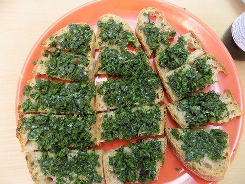 tartines de Plantain hâché et filet d'huile d'olive