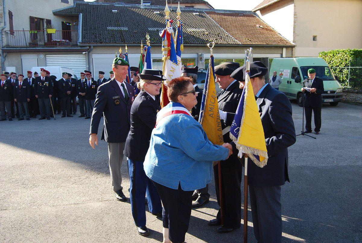 Une nouvelle fois, Légionnaires et Parachutistes rassemblés pour la commémoration à la mémoire des Poilus et soldats morts pour la France le 8 novembre à La Balme les Grottes (38)
