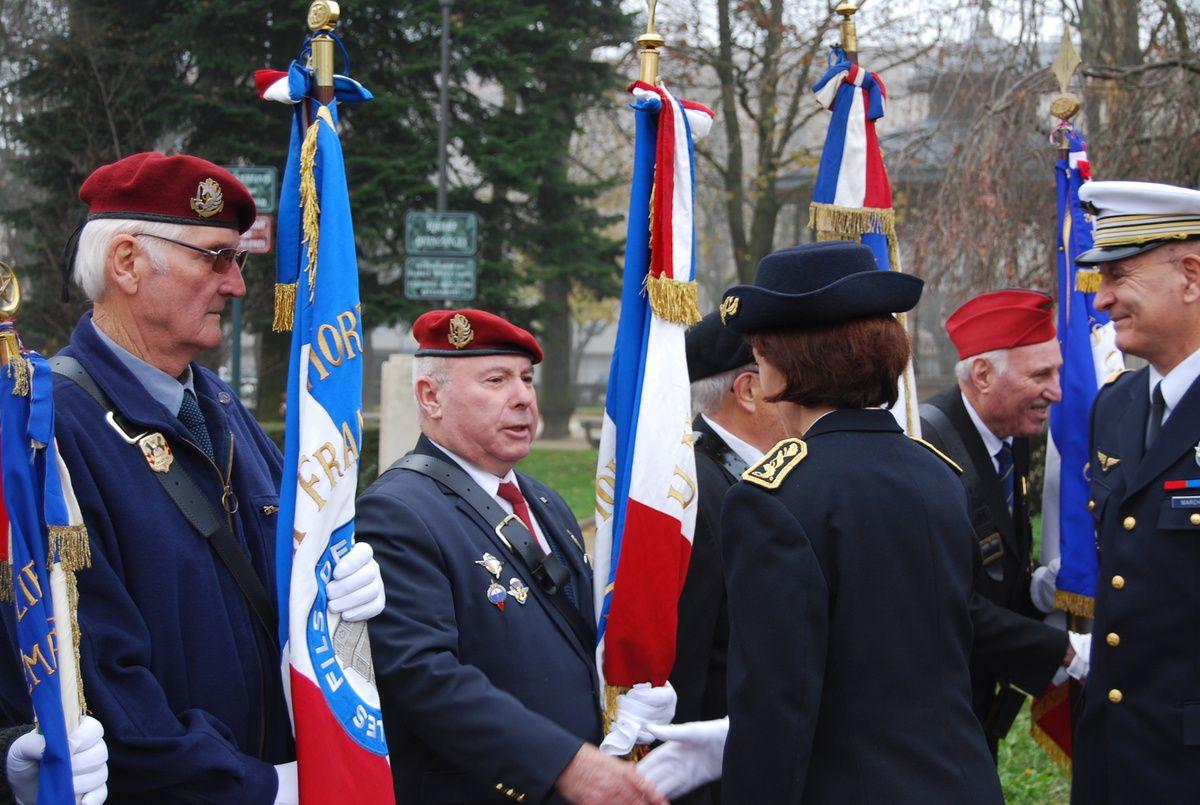 Les paras de l'UNP à la cérémonie du 5 décembre 2015 à Bourg-en-Bresse (AIN)