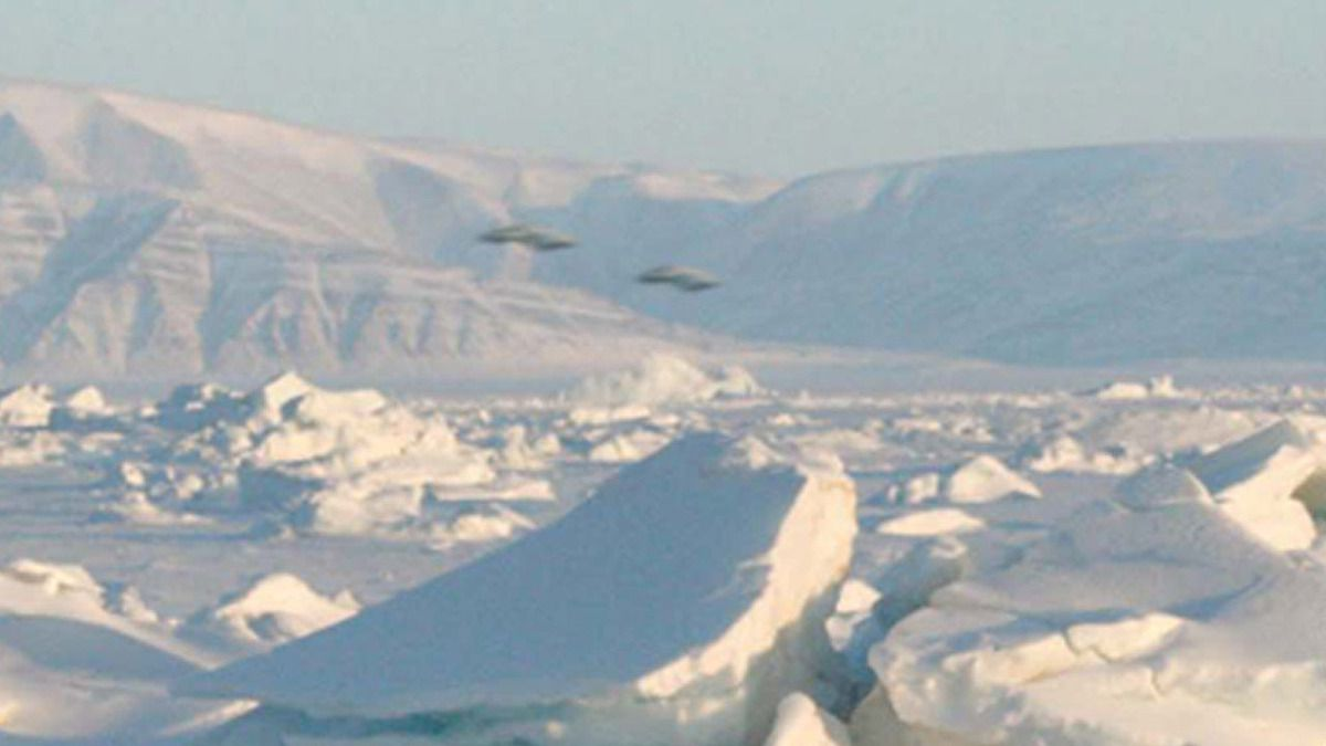 UFO sightings in ANTARCTICA 1926 - 2013 / Amazing !!!
