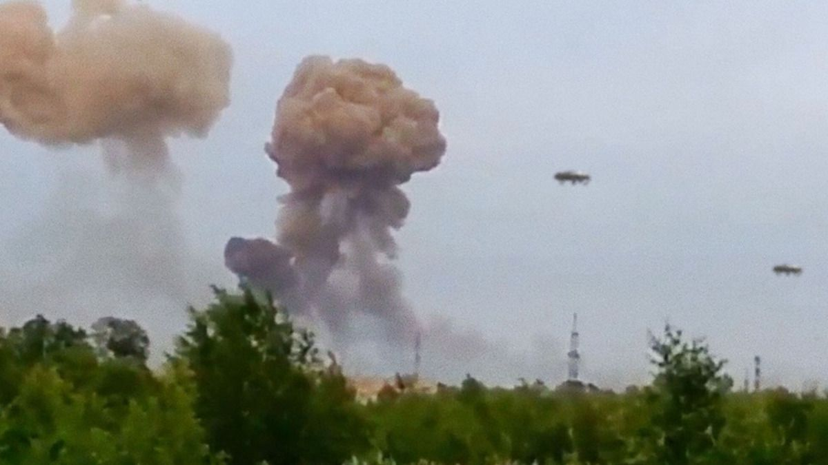 UFO Attack over Slaviansk !!! Ukraine !!! May 2014