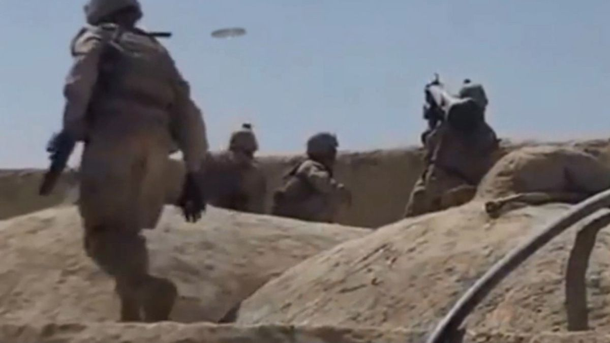US MARINE HITS UFO WITH JAVELIN MISSILE - AFGHANISTAN !!! Nov 2013 - REAL !