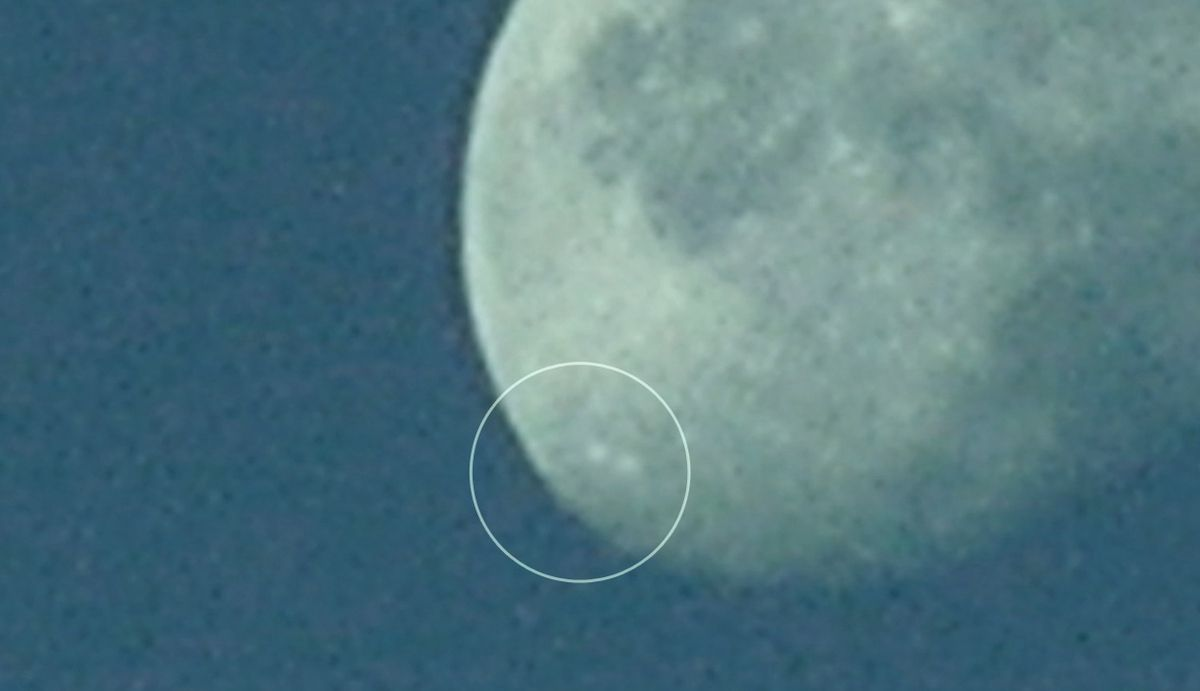 UFOs passing in front of the MOON filmed from Earth - Lithuania ! June 2013