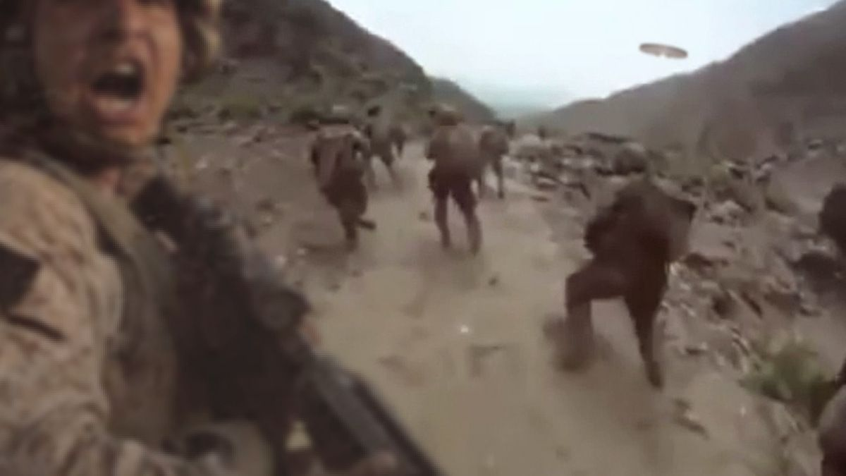 US Marines surprised by strange UFO AFGHANISTAN ! Soldier does LEBRONING !!!