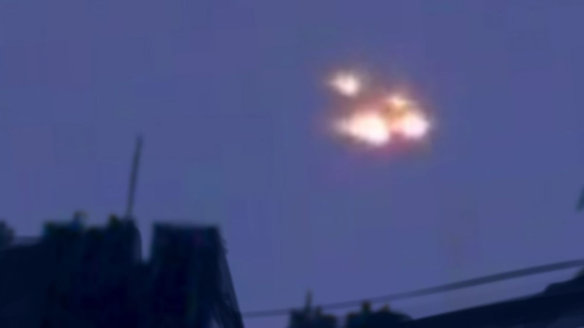 UFO lights reported by multiple witnesses in Saint Jean d'Angely - FRANCE !!! May 2014
