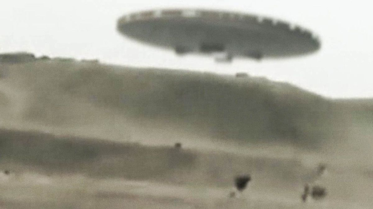 Taliban Hunted by Disc Shape UFO in Afghanistan May 2015 !!!