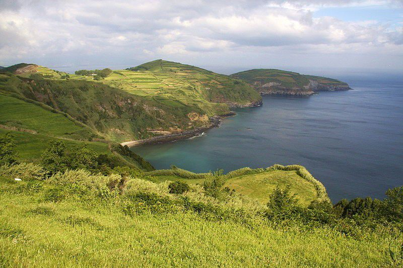 NEW Underwater Pyramids discovered off the Coast of the Azores - Oct 2015 !!!